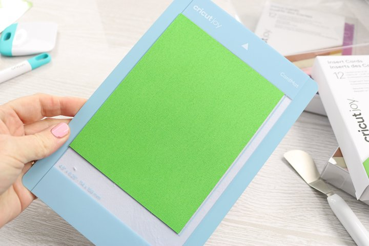how to use the cricut card mat