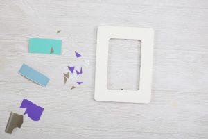 adding vinyl to a photo frame