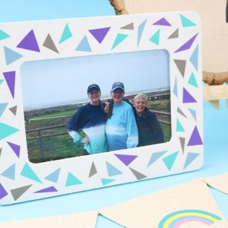 photo frame using scrap vinyl