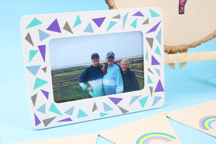 photo frame using scrap vinyl