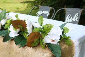 make a garland with magnolias
