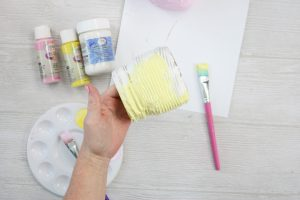 painting a mason jar for easter