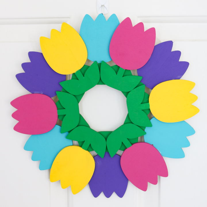 how to make a tulip wreath