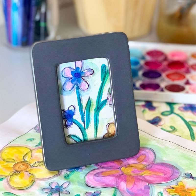 mini art with coloring pages