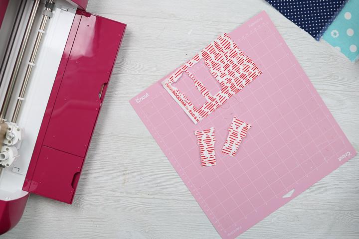 removing cut fabric from a cricut mat