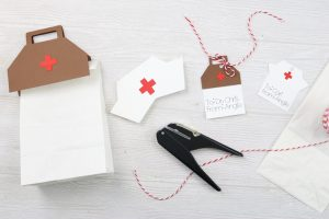 making healthcare appreciation gift tags