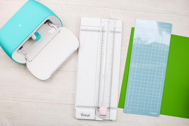 cutting paper on a cricut joy mat