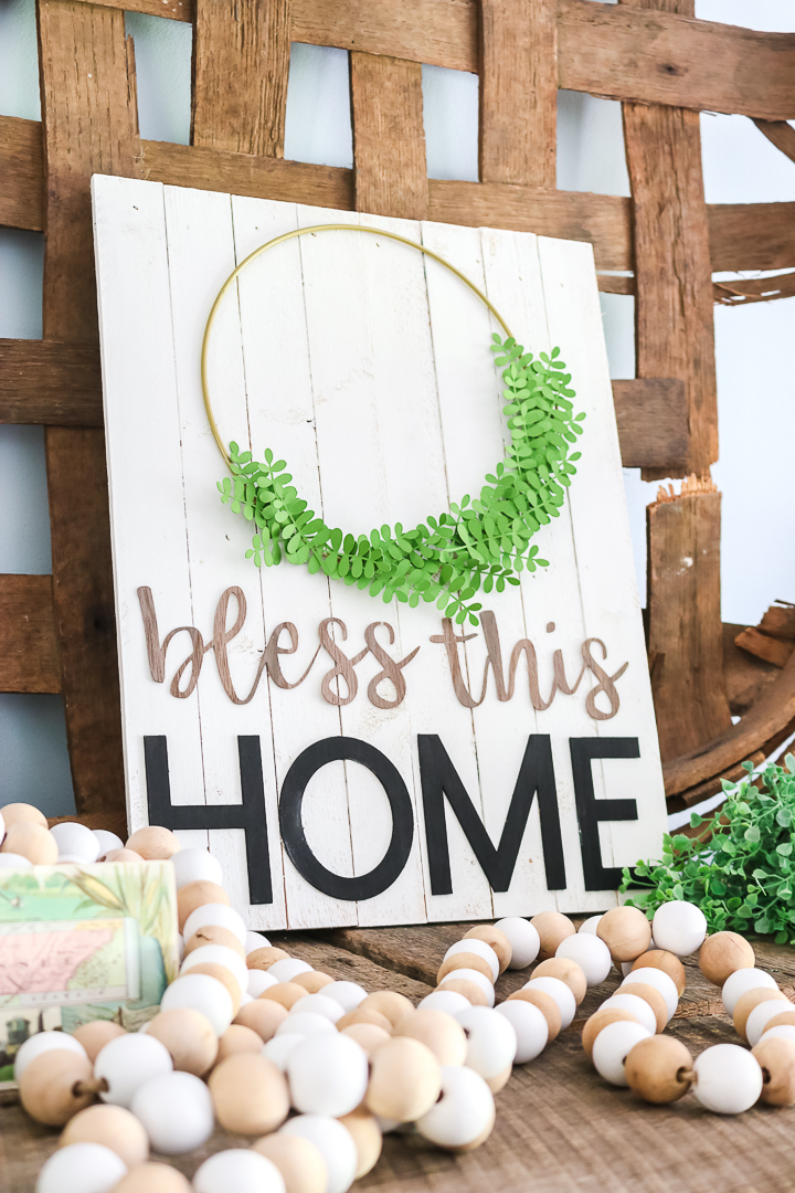"didacticiel sur les panneaux de style ferme ""class ="" wp-image-71504 ""srcset ="" https://www.thecountrychiccottage.net/wp-content/uploads/2020/06/cricut-machine-comparison-30-of-31.jpg 720w, https://www.thecountrychiccottage.net/wp-content/uploads/2020/06/cricut-machine-comparison-30-of-31-200x300.jpg 200w, https://www.thecountrychiccottage.net/wp -content / uploads / 2020/06 / cricut-machine-comparaison-30-of-31-683x1024.jpg 683w, https://www.thecountrychiccottage.net/wp-content/uploads/2020/06/cricut-machine- comparaison-30-sur-31-610x915.jpg 610w ""tailles ="" (largeur max: 720px) 100vw, 720px"
