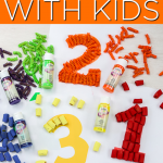 Learn how to paint pasta to make crafts with kids the no mess way! This easy technique will have you making all of the pasta crafts! #pasta #kidscraft #kids #pastacrafts #easycrafts