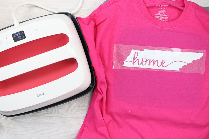 pressing glitter heat transfer vinyl with a cricut easypress