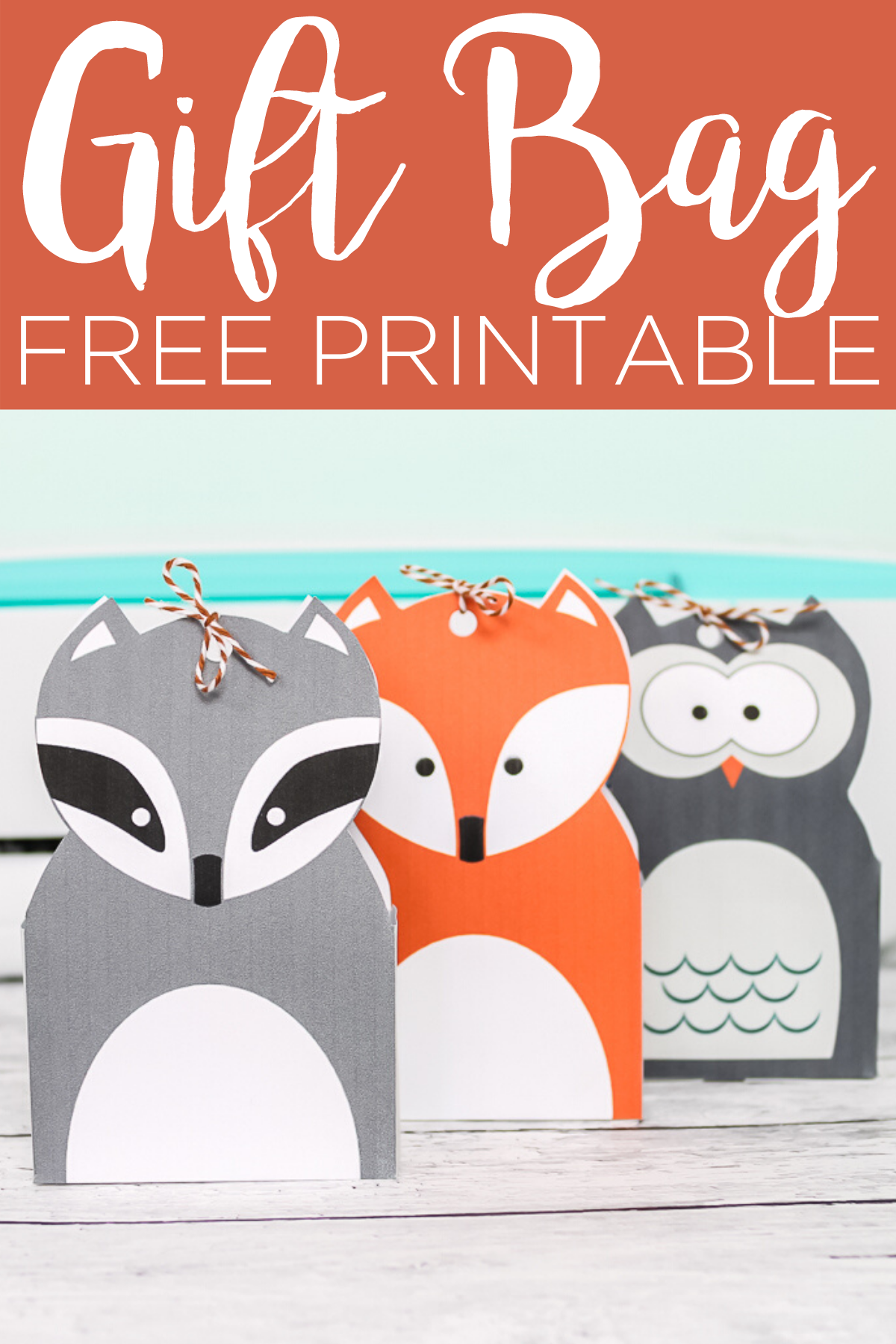 These printable gift bags are perfect for baby showers, parties, and so much more! Print these woodland animals then assemble them into little favor or gift bags that everyone will love. #printable #freeprintable #giftbags #woodland #woodlandanimals #owl #raccoon #fox