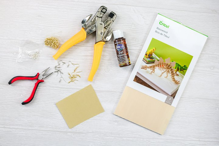 supplies to engrave wood with cricut maker