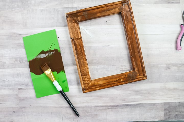 staining a frame