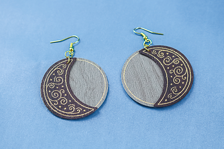 making earrings with your cricut
