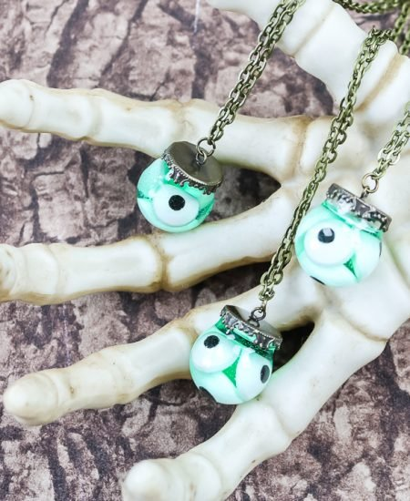eyeball halloween necklace