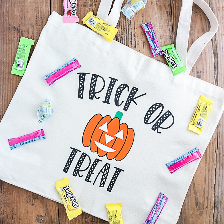 glow in the dark trick or treat bag