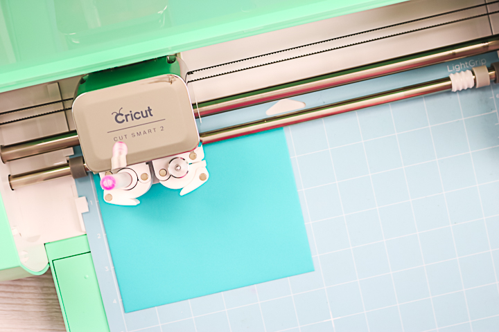 writing on an envelope with a cricut