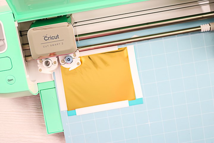 adding foil words to an envelope with a cricut