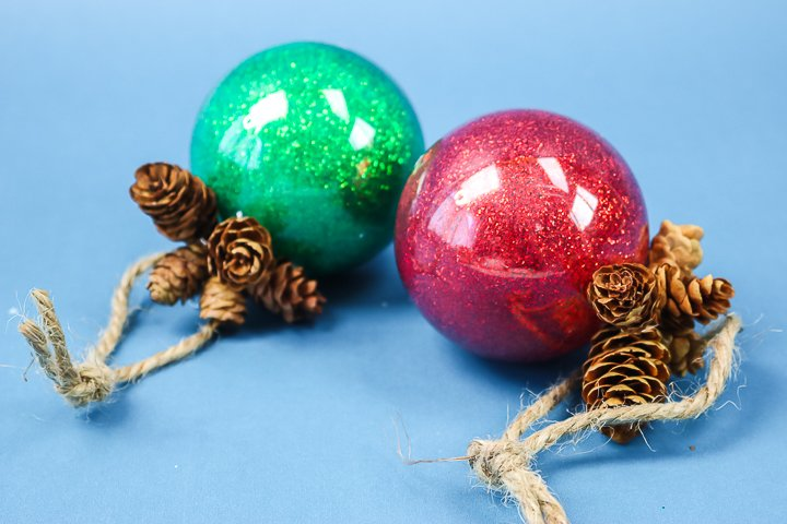 putting glitter in plastic ornaments