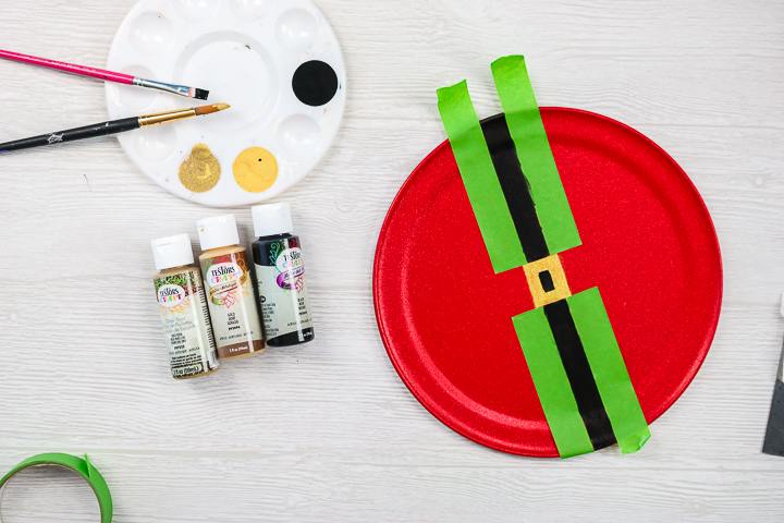 painting a black santa belt