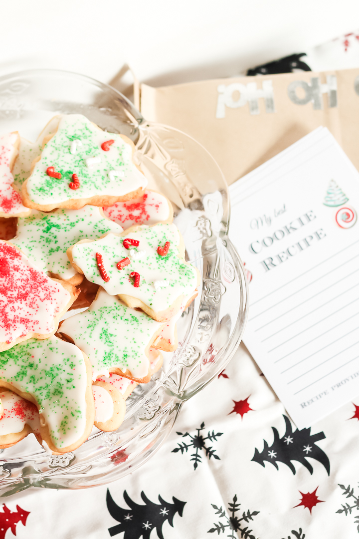 Plan a fun Cookie Exchange around the holidays with these fun and free Cookie Exchange Party Printables