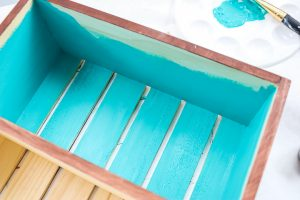 painting a wood crate