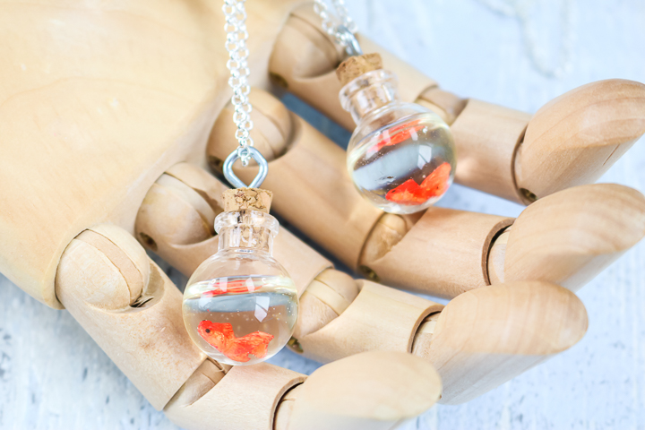 diy fishbowl necklace
