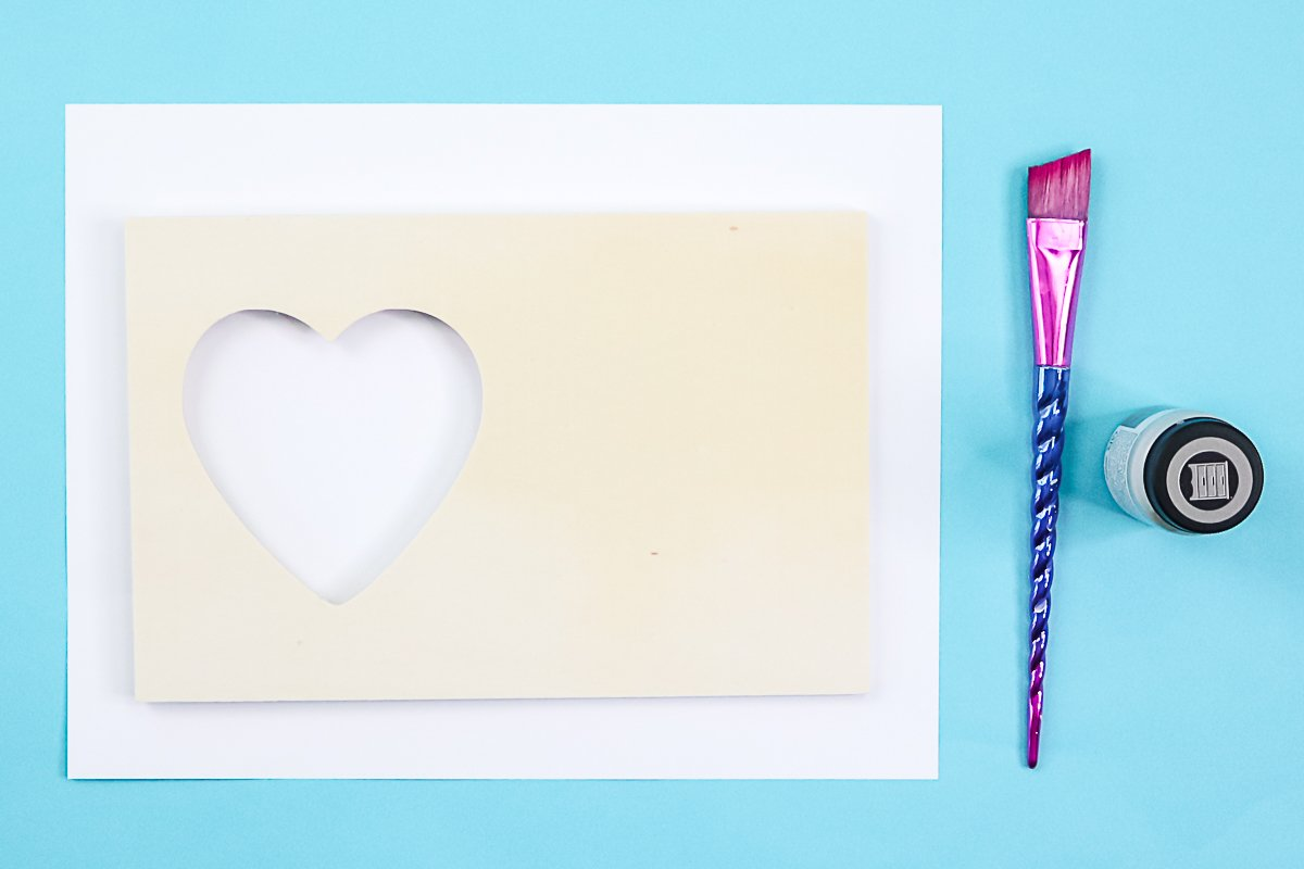 painting a dollar store picture frame