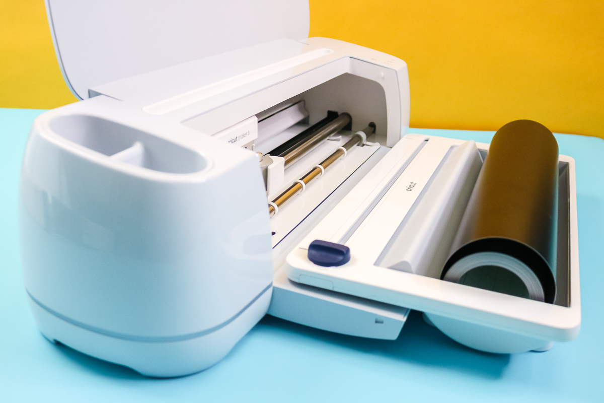 roll holder on a cricut machine