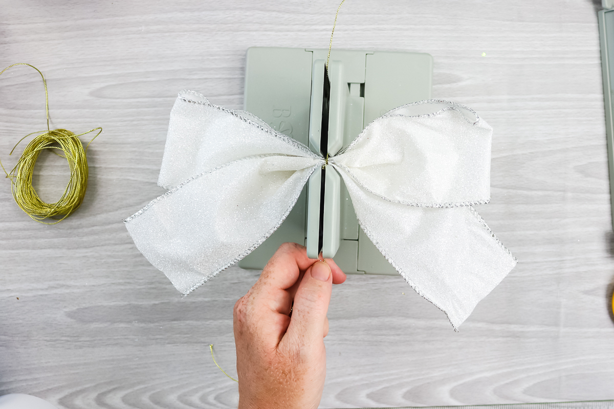using a bowdabra to make cheer bow