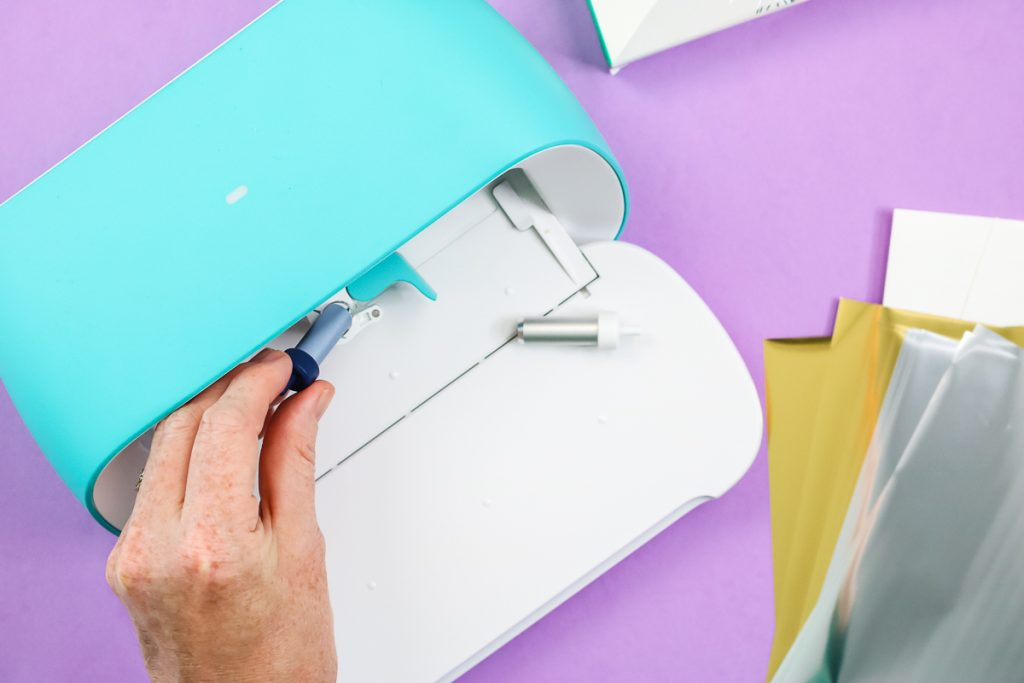 how to put the foil tool in cricut joy