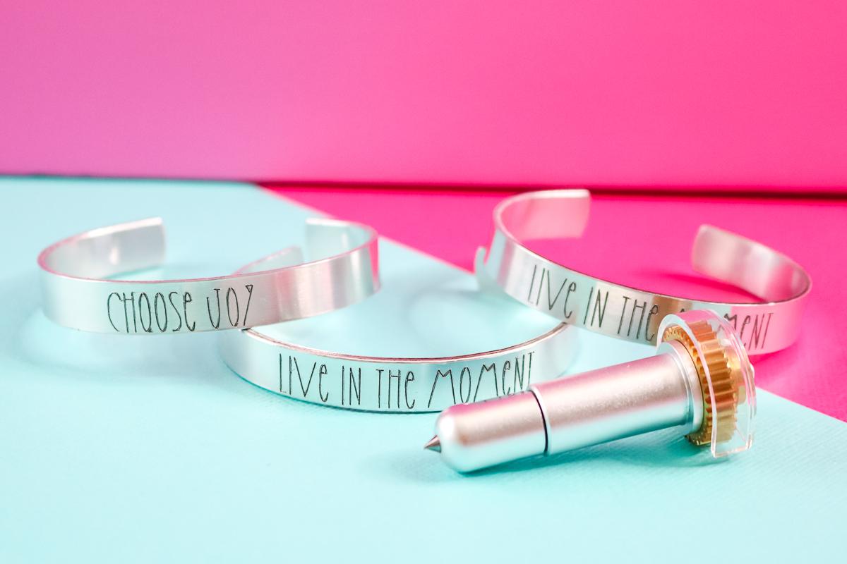 how to make a metal bracelet with a cricut