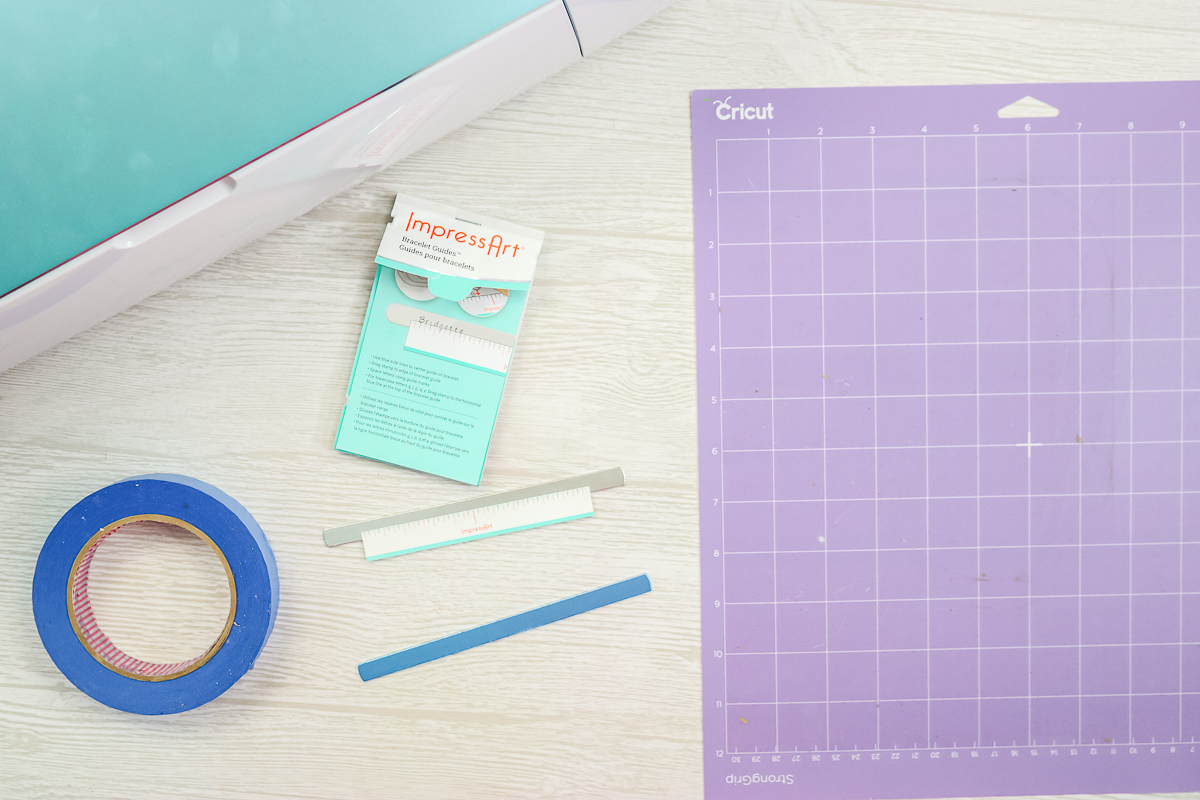 how to put metal on a cricut mat