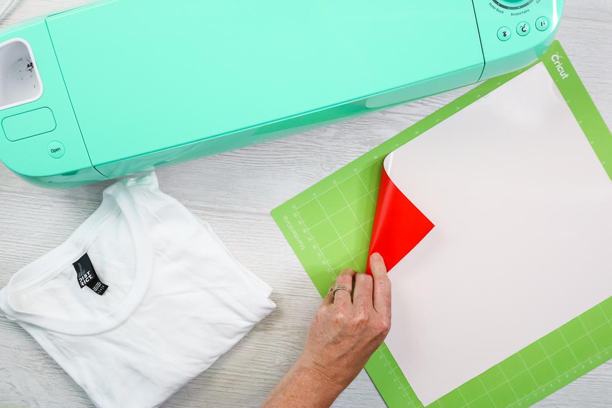 adding 3d htv to a cricut cutting mat