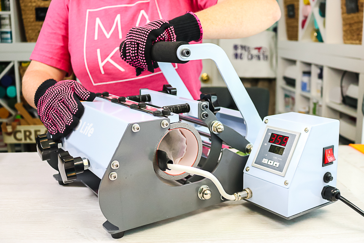 closing tumbler press