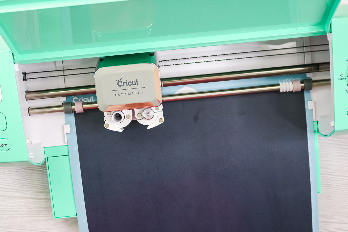 cricut explore cutting black HTV