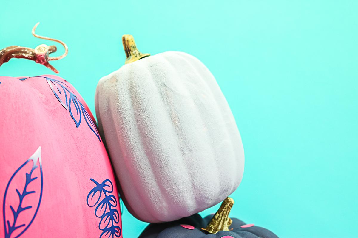 how to make pumpkins look like stone