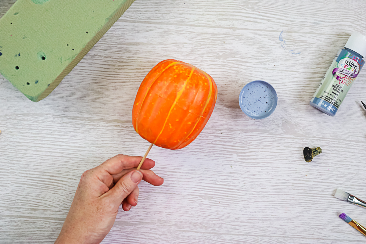 the easiest way to paint pumpkins
